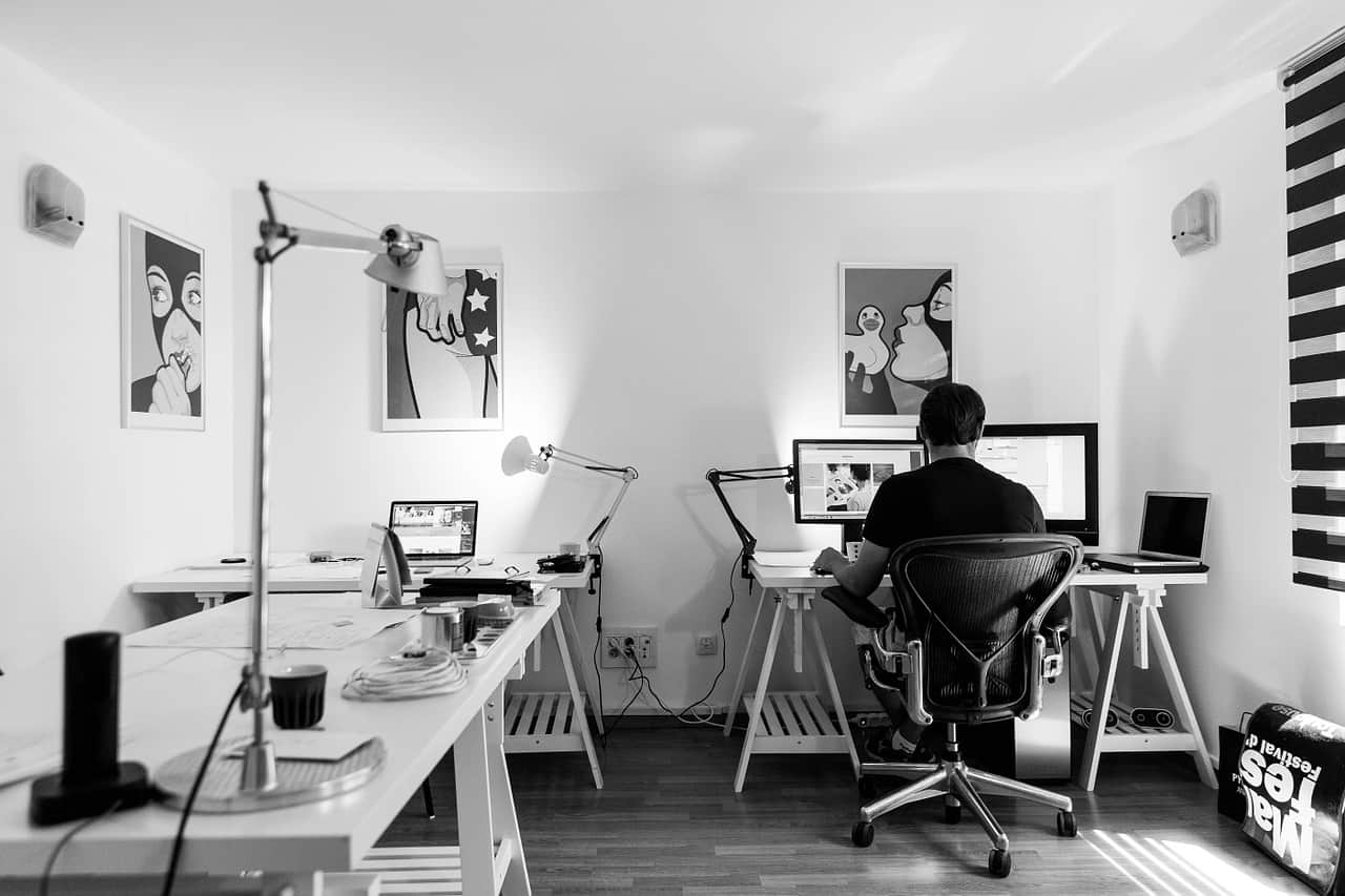 gli esercizi ideali da fare alla scrivania