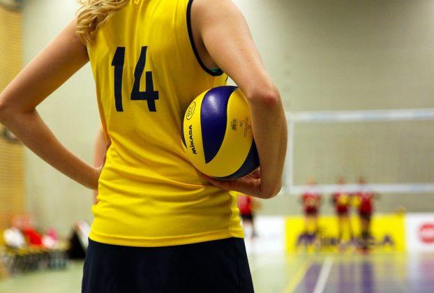 pallavolo le differenze tra la palla da interno o da sabbia